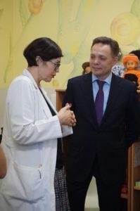 Prof. Augustina Jankauskienė ir ambasadorius Viktoras Temirbajevas