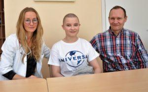 Dr. Sonata Šaulytė-Trakymienė kartu su savo paciente Ingrida M. ir jos tėčiu