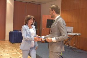 Padėką teikia Ministro Pirmininko patarėjas Paulius Gradeckas