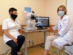 Gydytoja Olga Zimanaitė (kairėje) ir akių ligų gydytoja Aušrinė Misevičė