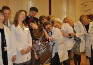 Nuotr. Vaikų ligoninės gydytojai paminėjo Tarptautinę miego dieną užsimerkę