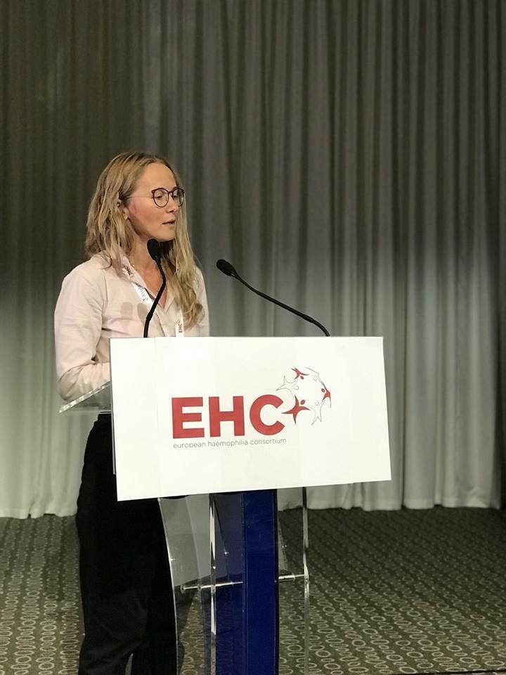 Dr. S. Šaulytė Trakymienė pristato Lietuvos hemofilija sergančiųjų priežiūros patirtį